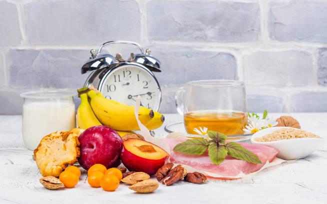 Adelgazar: ¿es mejor el ayuno intermitente o la dieta baja..